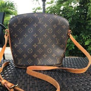 Louis Vuitton Drouot Authentic Crossbody❇️